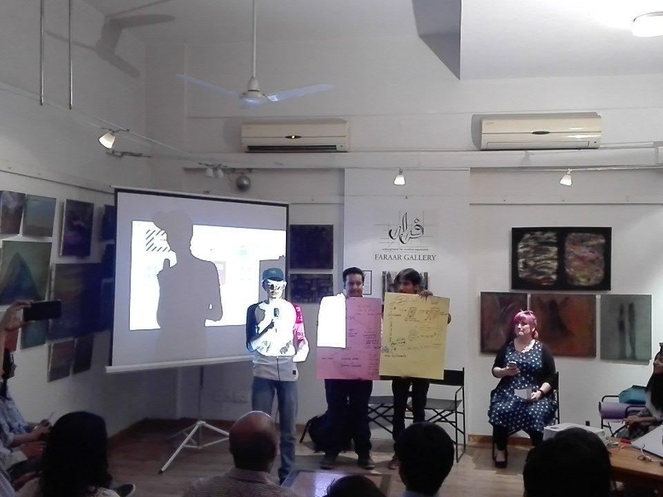 Team Yum pitches an idea about a food app.   #hackarachi #codeacross https://t.co/VjM9zaCg3n
