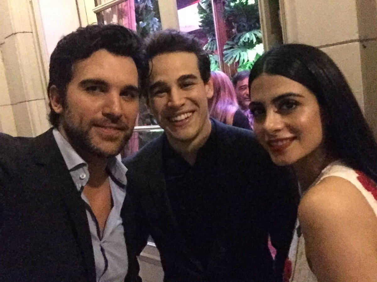 Asesine hanging with You @arosende @EmeraudeToubia ! Genial conocerlos! @ShadowhuntersTV https://t.co/x3kCSoZHg9