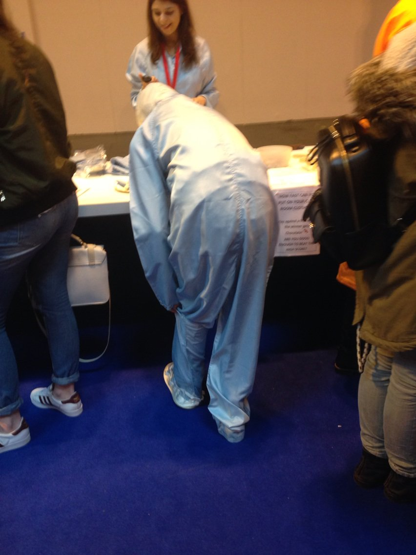 How fast can you put on your clean room clothing? @SWBHnhs #hcsweek @HealthCareersUK @BigBangFair https://t.co/V0NyQvlZB0