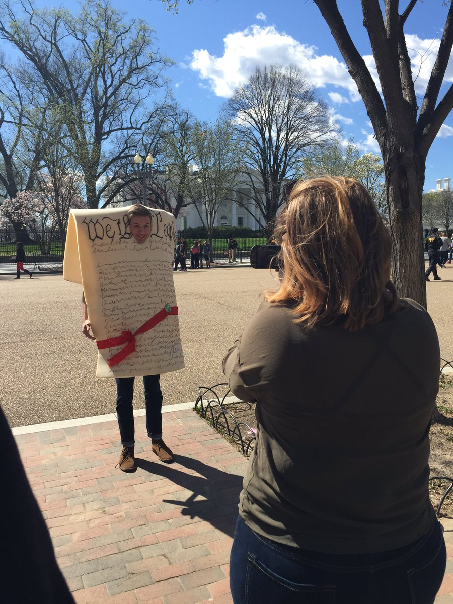 We're out in DC on #DoYourJobFriday asking people what would happen if they didn't do their jobs for 10 months. https://t.co/bnoiuBGv5s