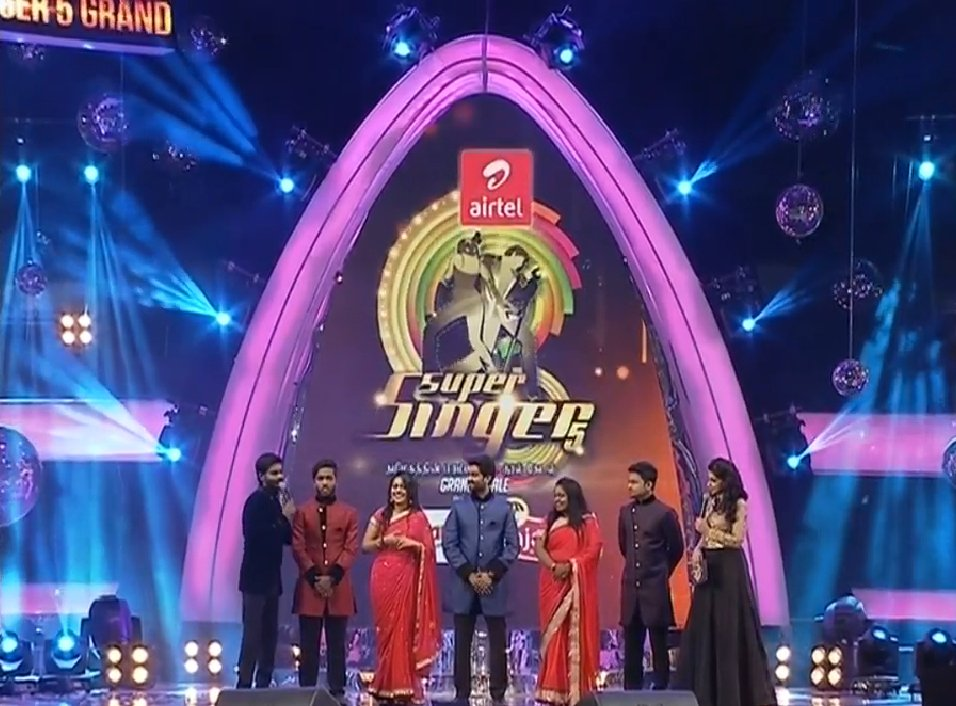 Vijay TV Super Siner 5 Finalists  Fareedha, Rajaganapathy, Siyad, Lakshmi Pradeep on stage - Grand Finale image-picture