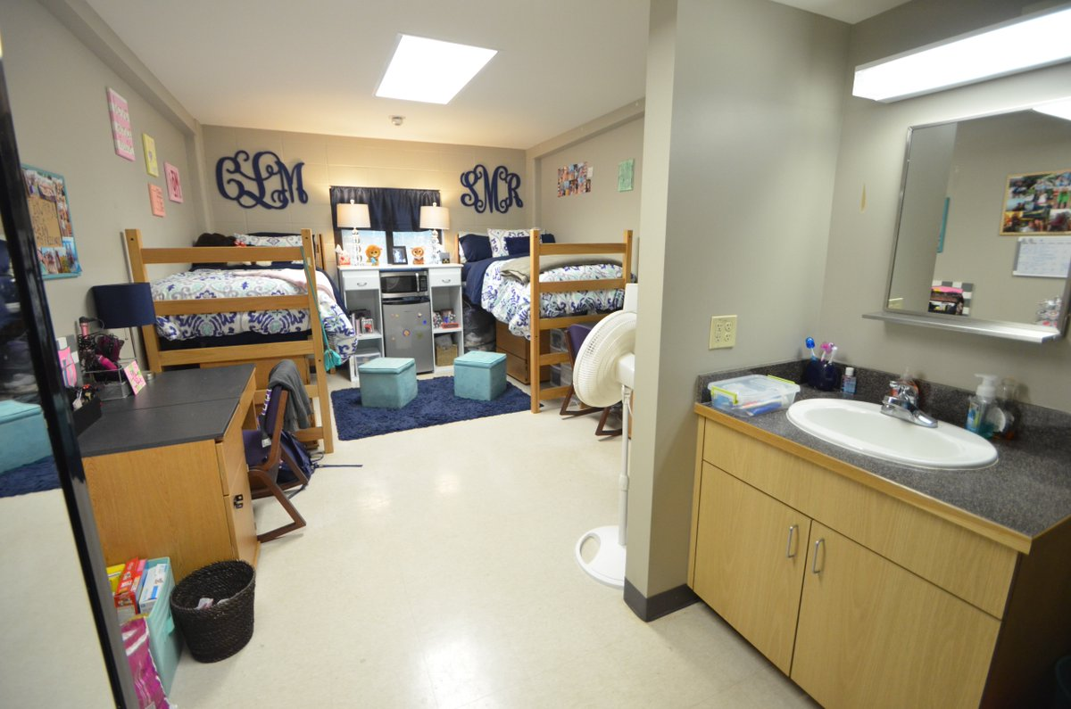 Family Rent Room To Students