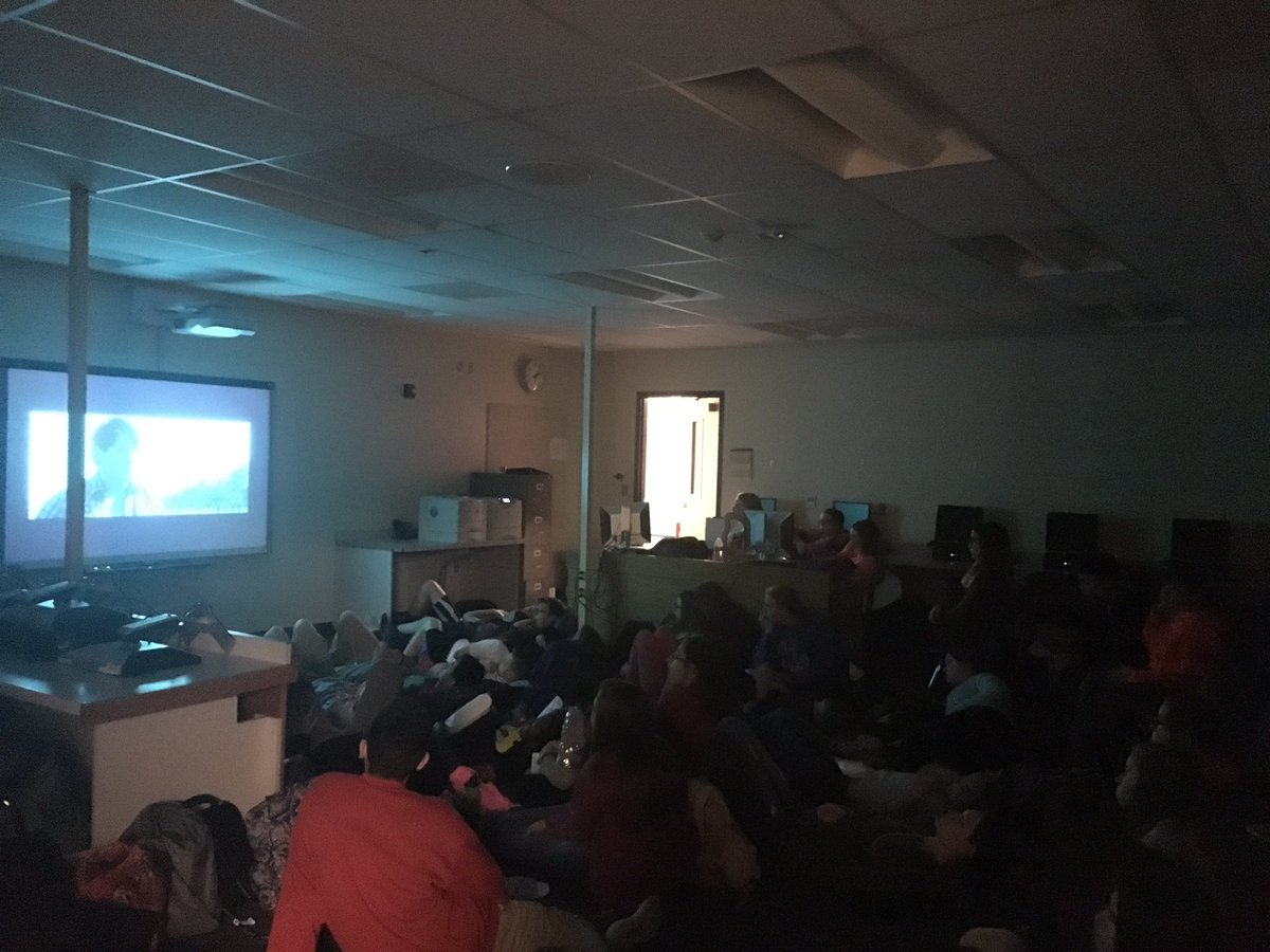 Proud of our students who met their math goals! #popcornandmovies #OTFalcons https://t.co/Tw1wQIfvF3