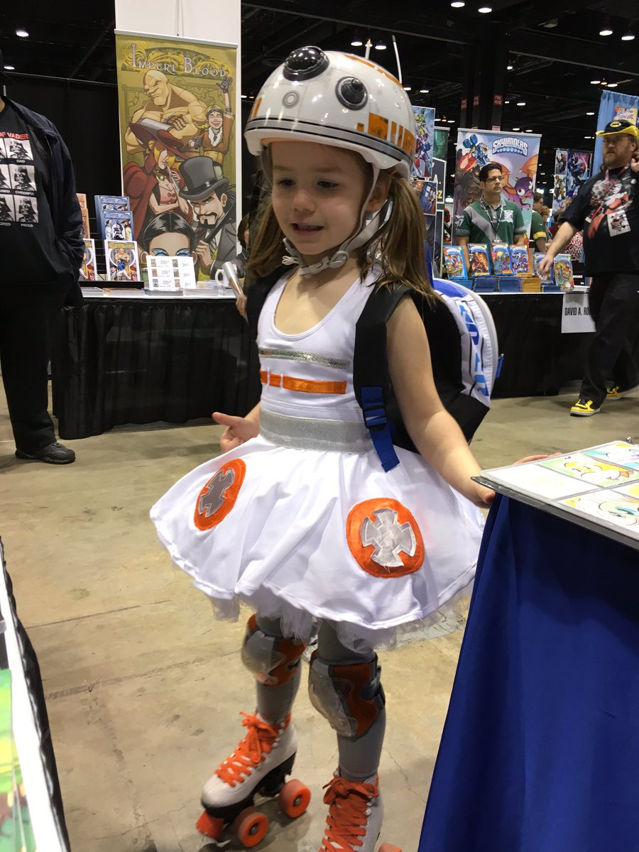 My favorite costume at #C2E2 so far! https://t.co/M9YJsnBIZl