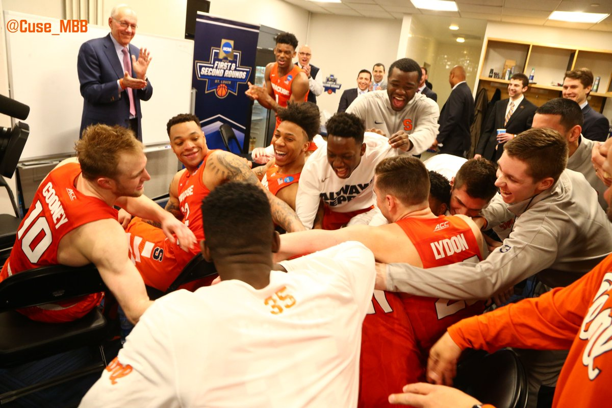 Syracuse Basketball On Twitter Today S Postgame Locker Room Scene