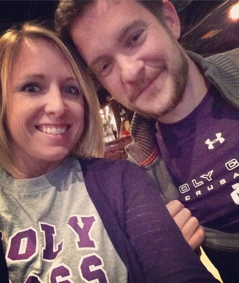 @holy_cross college sweethearts class of '04 in Philly cheering on @HCrossMBB! #risetogether https://t.co/uYa8Ww5xx3