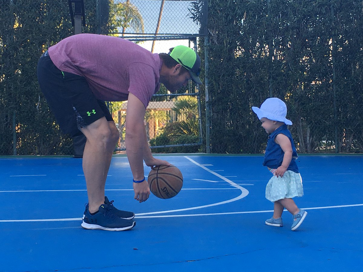Nothing like a one on one afternoon game https://t.co/sxrhJyxf1J