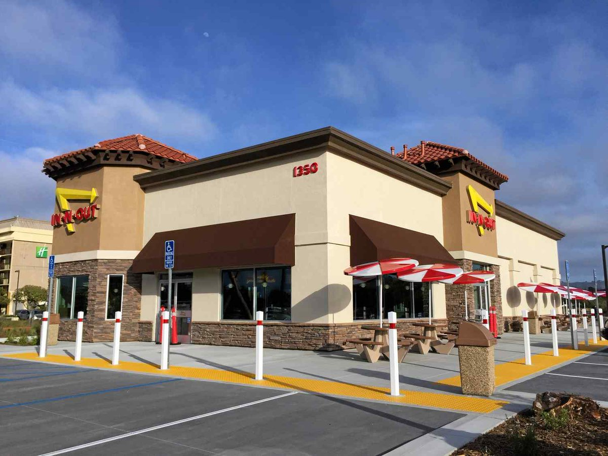In-N-Out Burger in Seaside could open next week https://t.co/6jErVsOJ7s https://t.co/WZHWkYTv5K