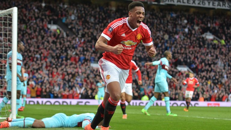 #MUFC forward Anthony Martial tells us what his best position is... http://skysports.tv/xashK4
