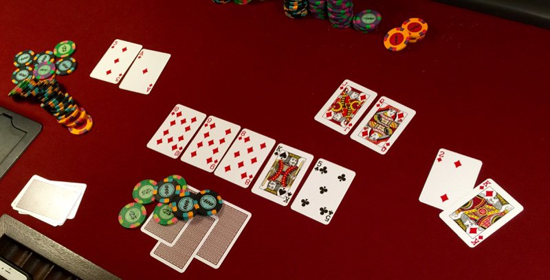 PIC: this just happened in our poker game in LA!  Str8 flush vs Ace high flush vs king high flush: I had the Qd-Jd! https://t.co/0cl8Hae6PA