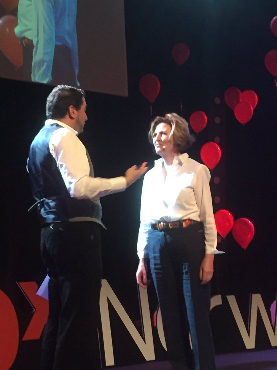 @voiceofsiri @MaryMyatt 'true leaders serve first and the rest follows' #TEDxNorwichED https://t.co/4aEmf4YXuB