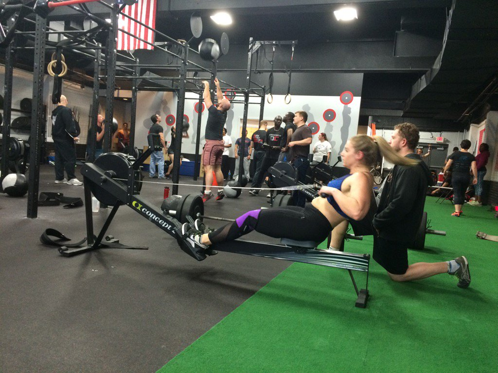 Going for a little row on this rainy day!  @kbmciver #CFDCOpen #InTheOpen https://t.co/FJMERoLPno