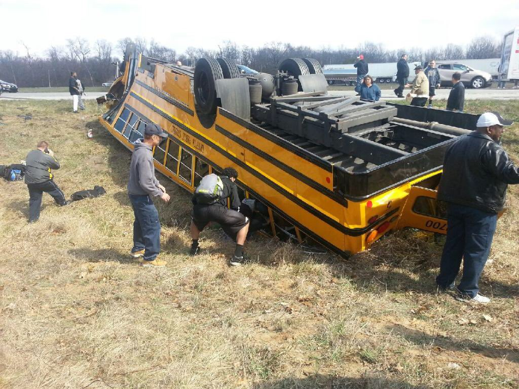 Class 3A semistate cancelled after Griffith's team bus flips on I-65: https://t.co/NHC5M5wOzw  (Photo via @b_grubl) https://t.co/49hYl6BDtl
