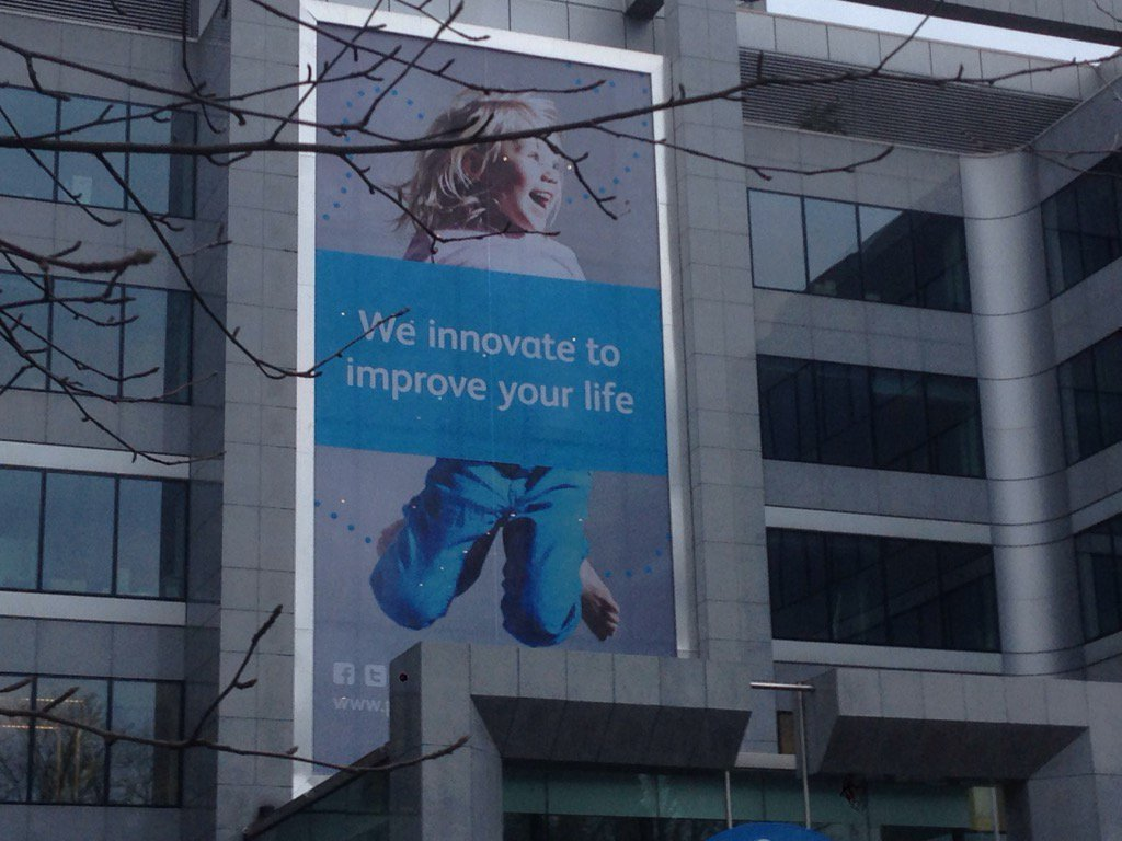 """@faas_r: We innovate to improve your life @pfizer #mhealthbe #hackathon https://t.co/COeaHDTjF4"""