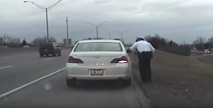 Fake Nice Guy John Kasich is a Jerk to a Cop for No Reason (VIDEO) https://t.co/KaWmb0ucyI https://t.co/aValn1utL1