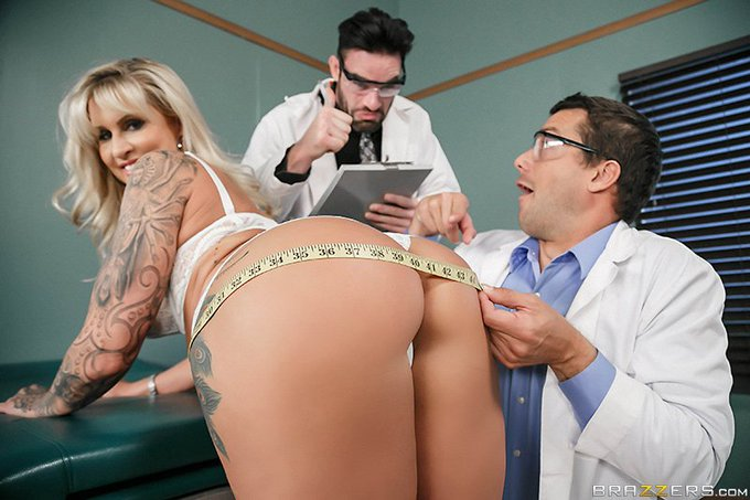 RT @Brazzers: #NewZZ Pussy or Anal? A ZZ Clinical Study @ryanconner69 https://t.co/diWLhL1DRz #AnalAlert
