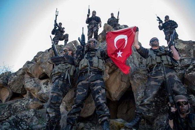 """تعرّف أكثر على القوات الخاصة في الجيش التركي """"كوماندو"""" CdAqcJ7VIAA3lfB"""