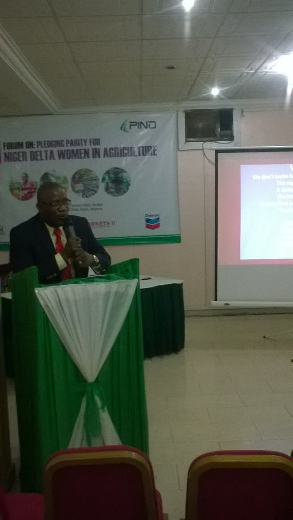 Field Projects Manager of @PIND_NigerDelta Sylvester okoh giving the opening remark #IWD2016 #PledgeForParity https://t.co/wWXQWjeO87