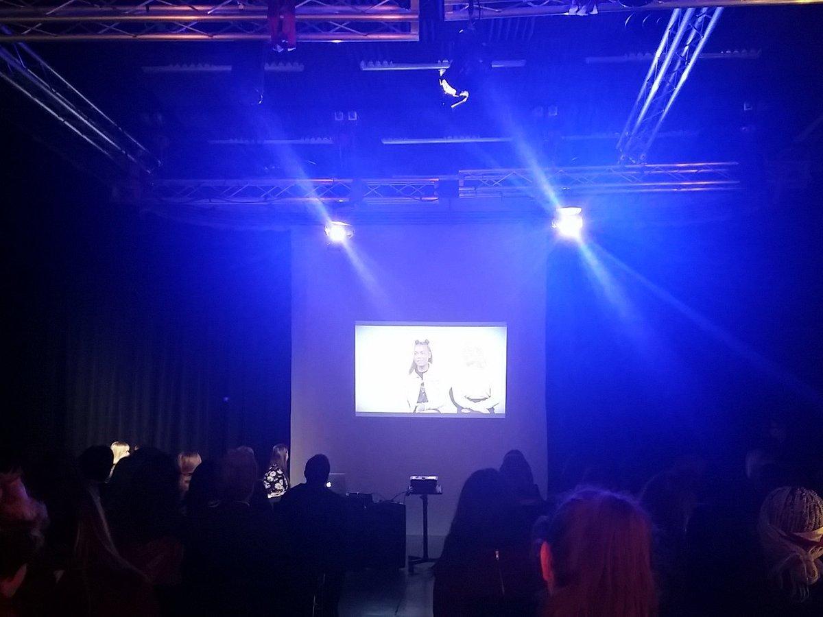 2 inspiring pupils from @xaveriansfc, Emily Wheelan & @TaijaJames talking about Emmeline Pankhurst #WomenChangeMCR https://t.co/HmPQ90ss4n