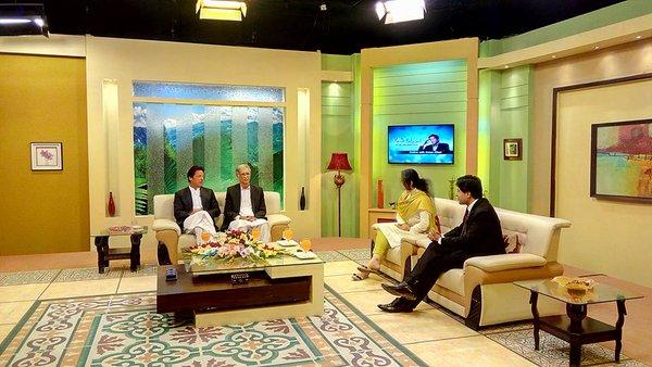 Imran Khan and Pervez Khattak live on Khyber TV.  For Live Calls : 091 5846380 #IKonKhyberTV https://t.co/BSxGQ1Nj3G