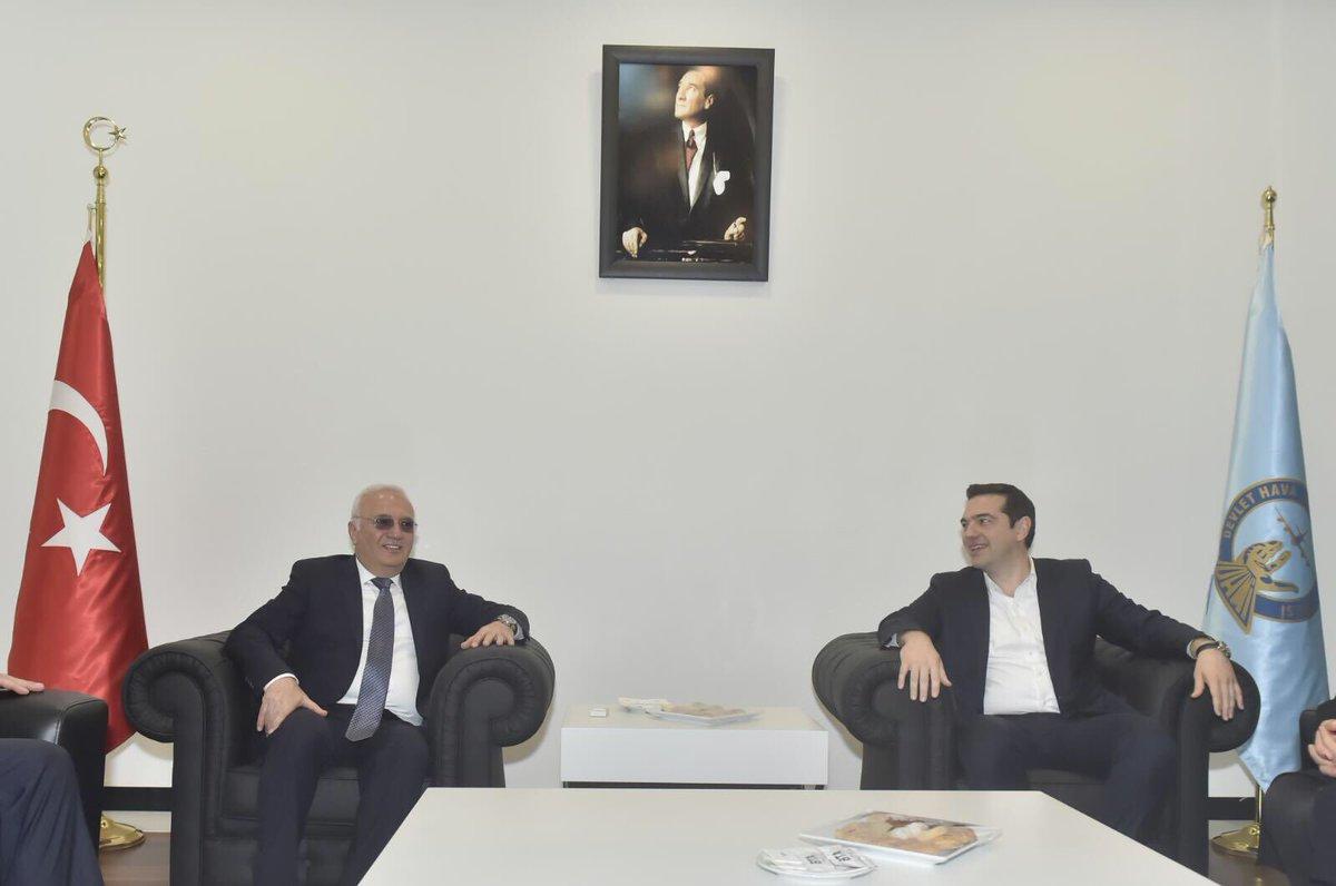 Türkiye-Yunanistan 4.YDİK toplantısı için İzmir'e gelen Yunanistan Başbakanı Syn. Çipras'ı havalimanında karşıladık. https://t.co/j5Mt8vMSZV