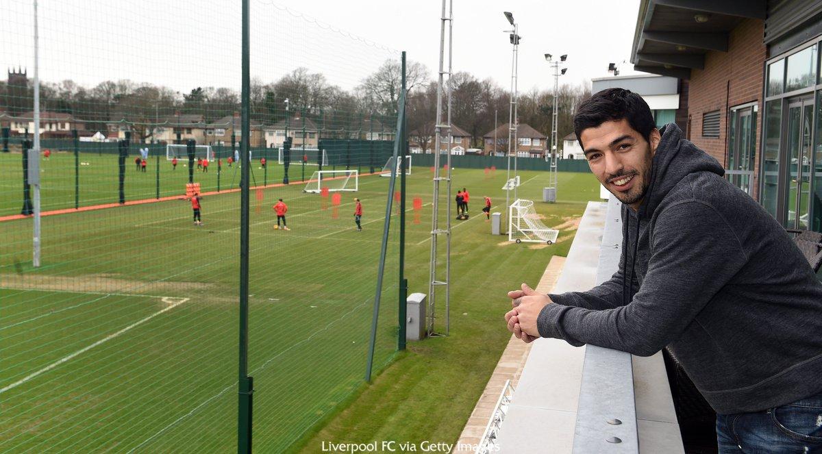 """Суарес посетил тренировочную базу """"Ливерпуля"""""""