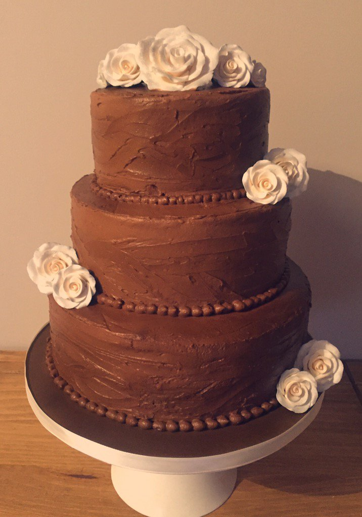chocolate icing for wedding cake recipe chocolate buttercream wedding cakes 12719
