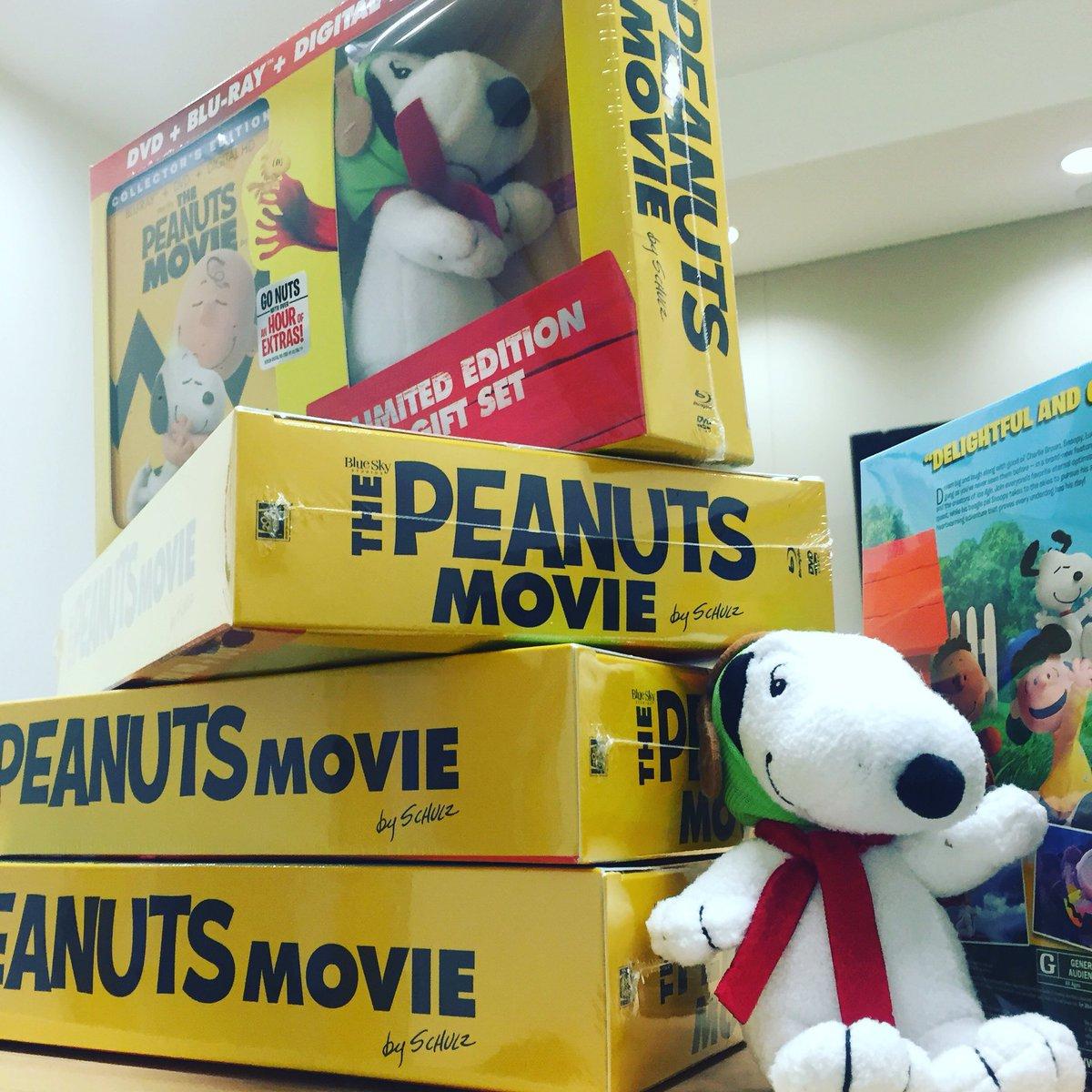 IT'S HERE! The @PeanutsMovie DVD! #DREAMBIG #PeanutsMovie https://t.co/Ywd4Y5CbRy