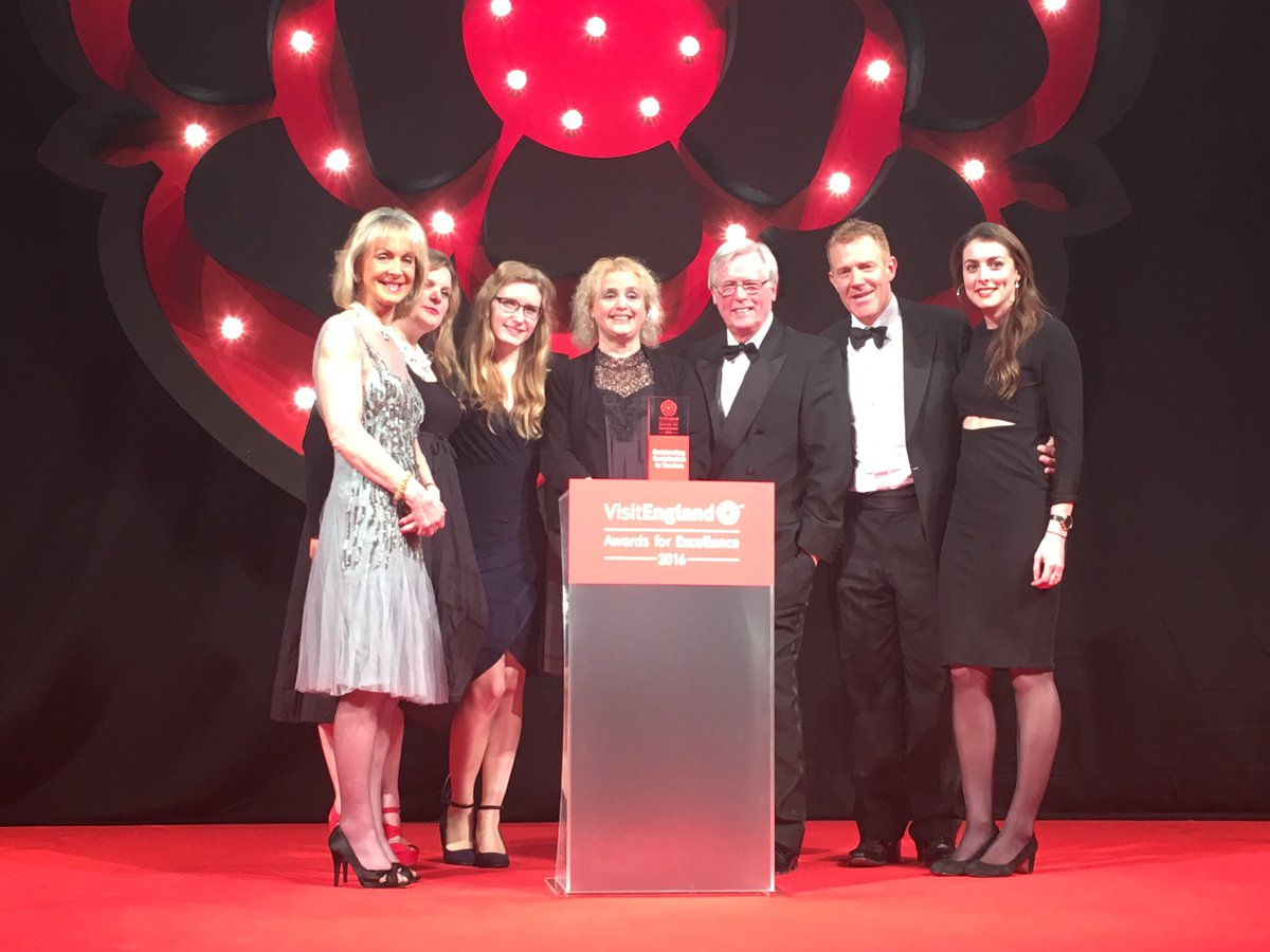 Award for Outstanding Contribution to Tourism goes to @BBCCountryfile team & John Craven @AdamHenson #VEAwards2016 https://t.co/AX4ymPurYs