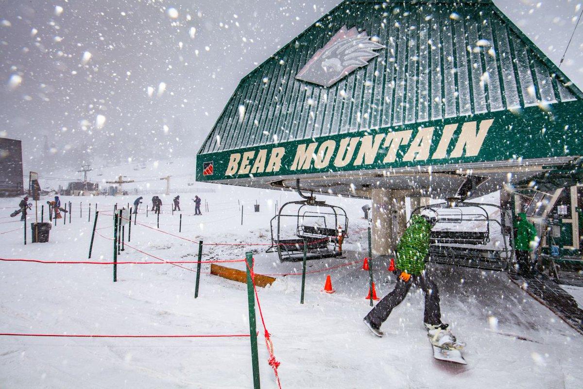 Lots of fresh snow @Bear_Mountain @CaliforniaSnow #ski https://t.co/dYCoHoXgNz
