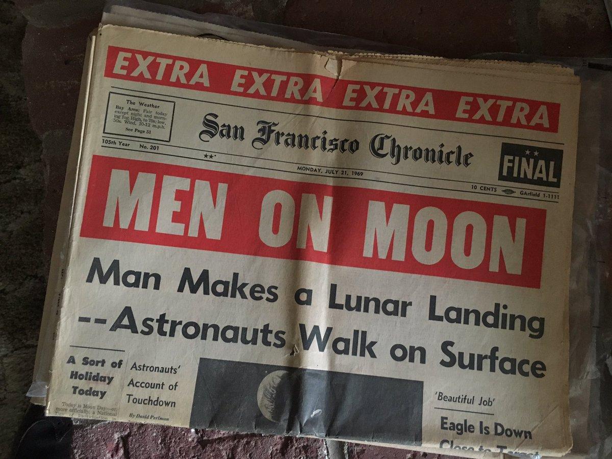 CdENdLkUAAAcs6h - The Moon 1969