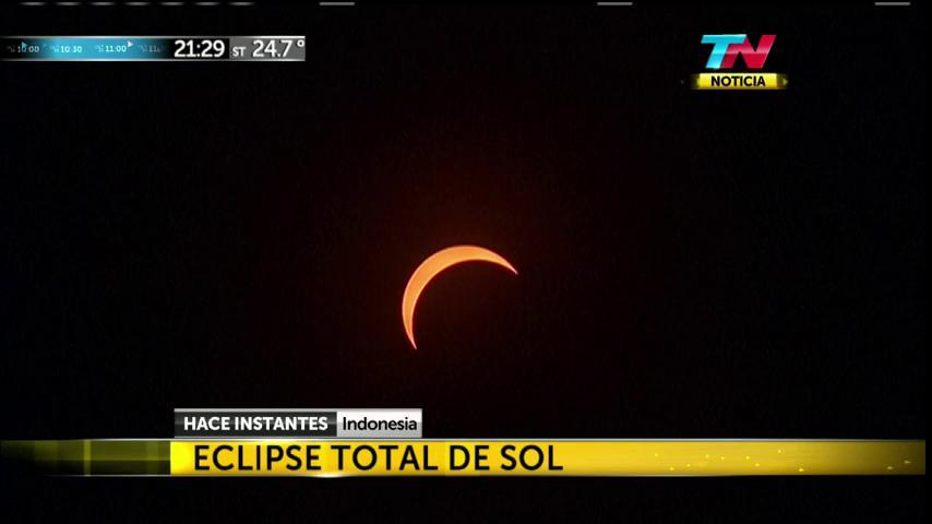 EN VIVO - Eclipse de Sol en Indonesia https://t.co/sok1WYQFUi https://t.co/kOIOf3uDPW