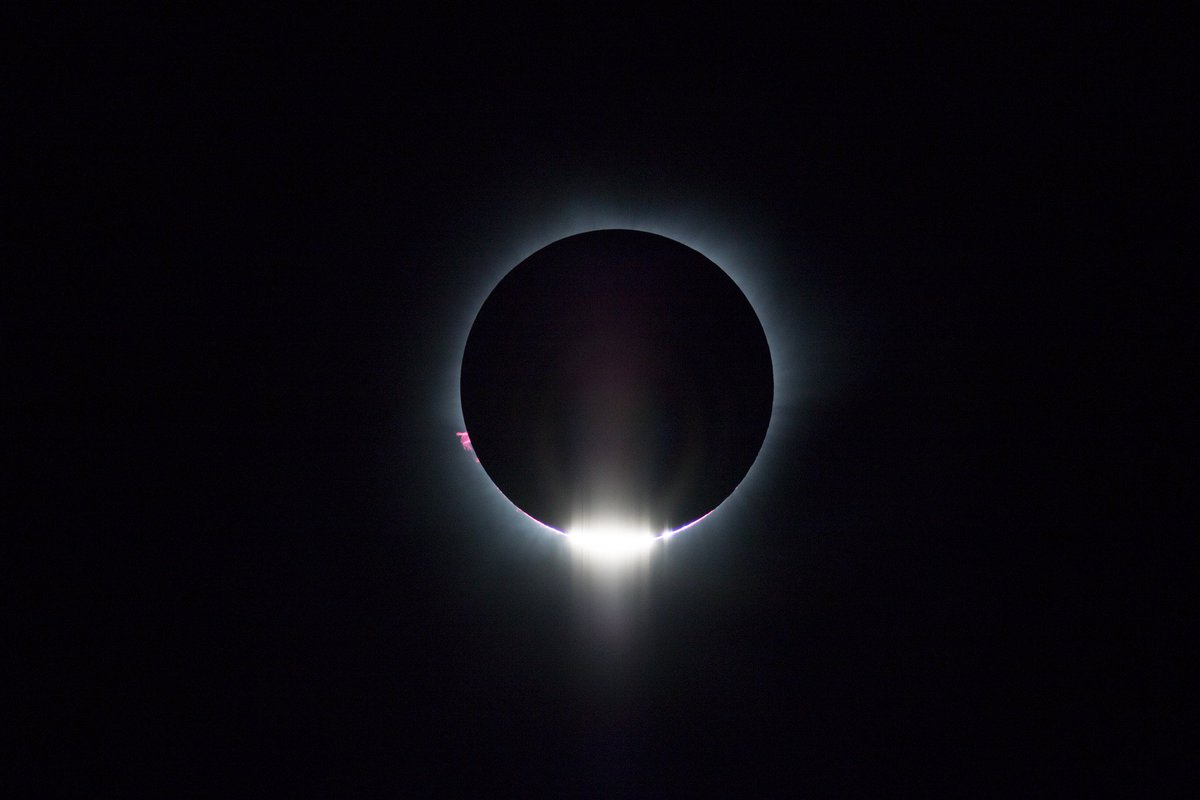 Diamond Ring. 静謐で、とても美しい第二接触だった. https://t.co/Mb9panmWZa