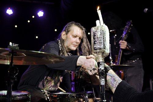 RIP Dead Moon drummer Andrew Loomis, we will miss your thunder.... https://t.co/fLDMrXP9dM
