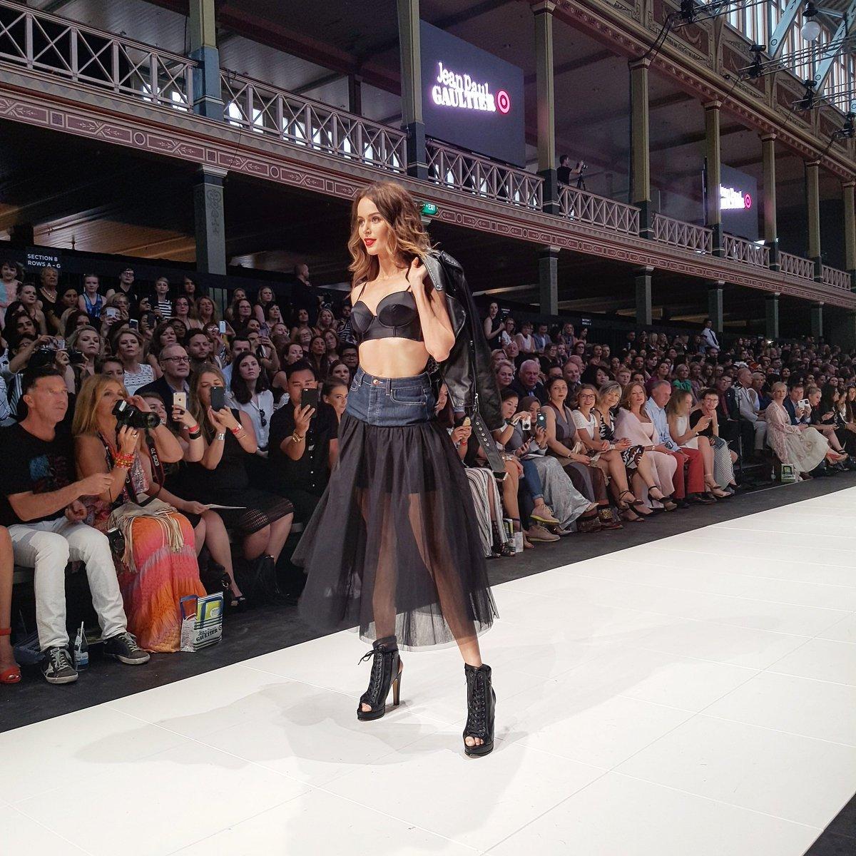 Supermodel @nictrunfio opens the #JPGforTarget Runway show #VAMFF https://t.co/8DhLj2THI7
