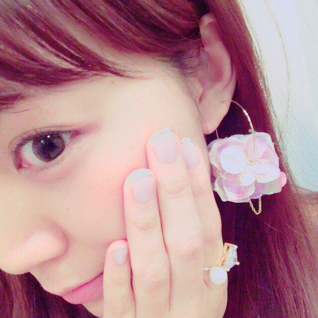 今日もお仕事おわり!今日もいい疲労感だ。最近MocA Tokyoのアクセサリーがお気に入りで毎日色んなのをローテーションでつけてテンションあげてます❤️ pic.twitter.com/J6HcLg7i0J