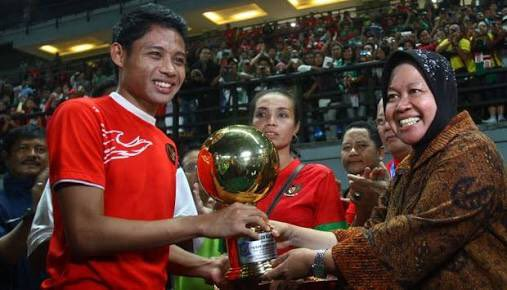 Rindu sepak bola indonesia 😢 https://t.co/u0SYY6K5Bk