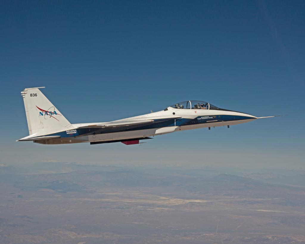 Our researchers are finding ways to decrease the noise from sonic booms. Details: https://t.co/5Sfw9OmPdn #FlyNASA https://t.co/hjg4kuSjwX