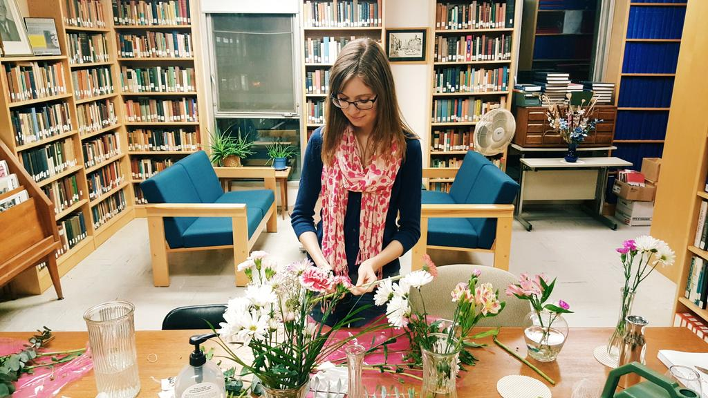 Getting ready for #Underhill22. @emcugg  prepping the flowers for tomorrow. https://t.co/TcAKw2p0Ai