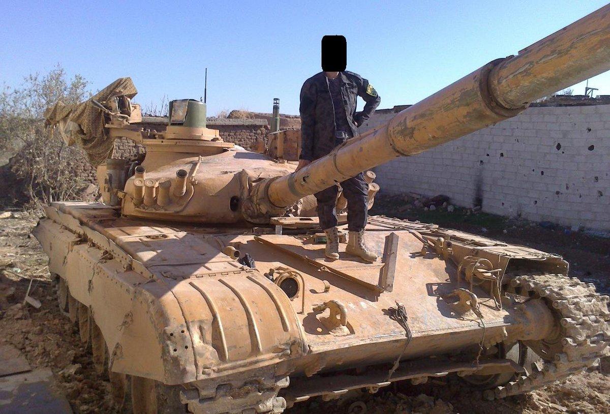 الوحش الفولاذي لدى قوات الجيش السوري .......الدبابه T-72  - صفحة 2 CdMDCJ-W0AAFJXn