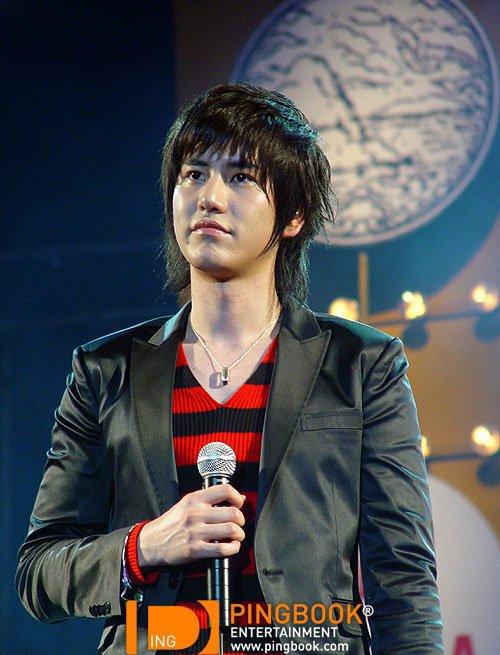 """แถมท้าย """"รักนะเด็กโง่""""ของคยูฮยอนใช้จีบเอลฟ์ไทย ตั้งแต่KRY พัทยา2007 ปีนี้ก็ยังใช้ได้อยู่นะ"""