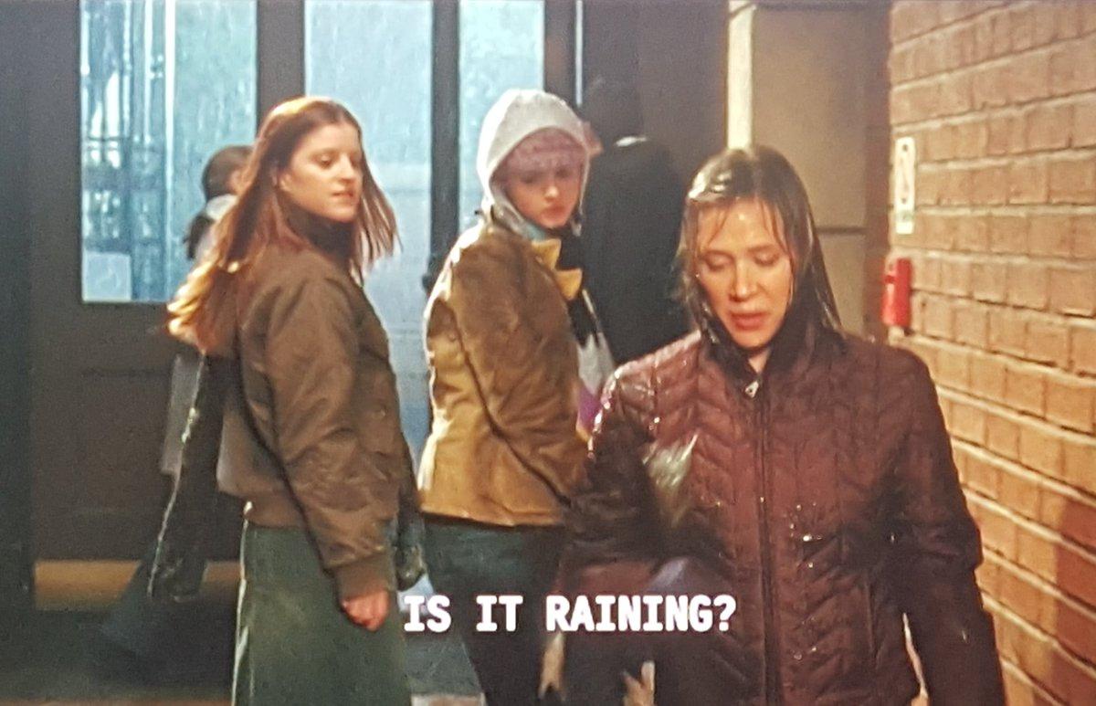 Previously on DUH: Paris is still the best. #GilmoreGirls https://t.co/XJeL5NTWWy
