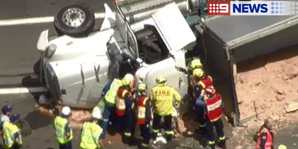 M7 closed southbound in hinchinbrook near cowpasture rd due