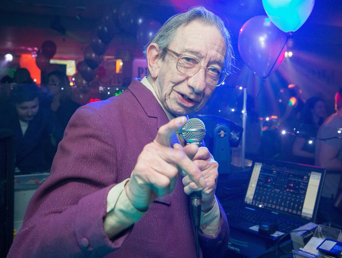 RIP to true Bristol legend DJ Derek https://t.co/MrnmlUkGgk