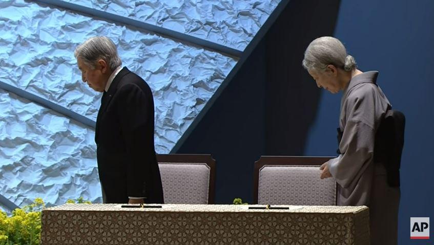 Raw video: Japan's moment of silence. https://t.co/6ZEPdRR4pN #PrayForTohoku #JapanTsunami #Fukushima https://t.co/QJvVa25gPk