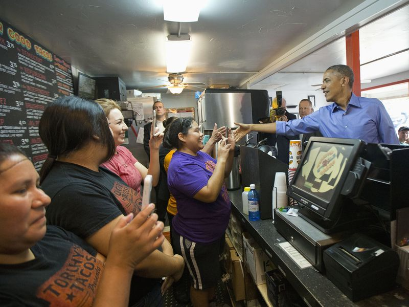 .@BarackObama loves @torchystacos https://t.co/Nd0ZsXkK5U https://t.co/KDOEw0QCsl