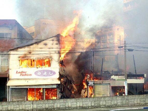 問屋街が・・・。朝からショック大きすぎます・・・。@熊本市中央区河原町 https://t.co/vuNZHBea8x