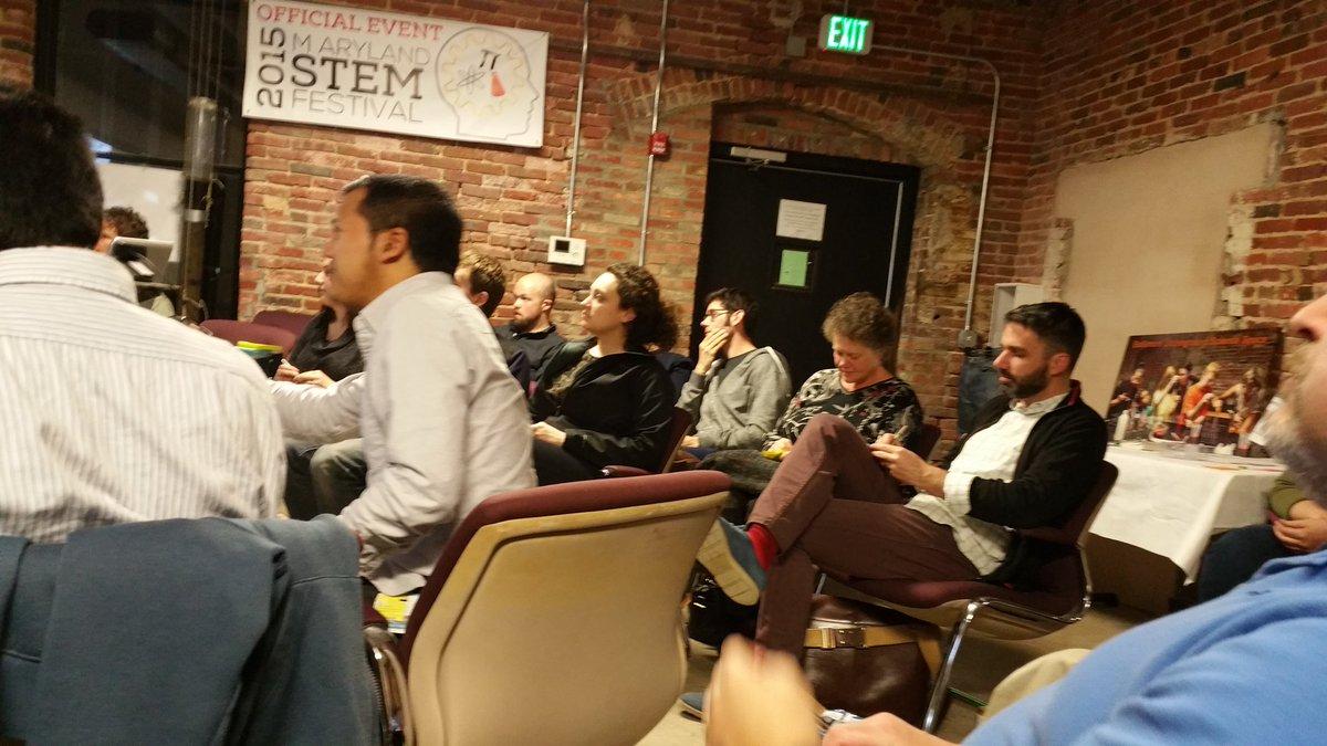 Full house @BUGSSlab Science Slam #BmoreSciSlam https://t.co/iTCGgWTCaB