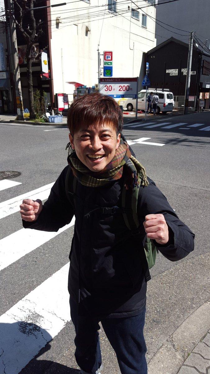 CBCラジオで結婚式を控えたサムタイムズ増田の為も兼ねたネタをしてあげた。外に出るといた。CBCの外で泣きながら聞いてたらしい。笑え!ばかたれ! https://t.co/lpynRCBg6s