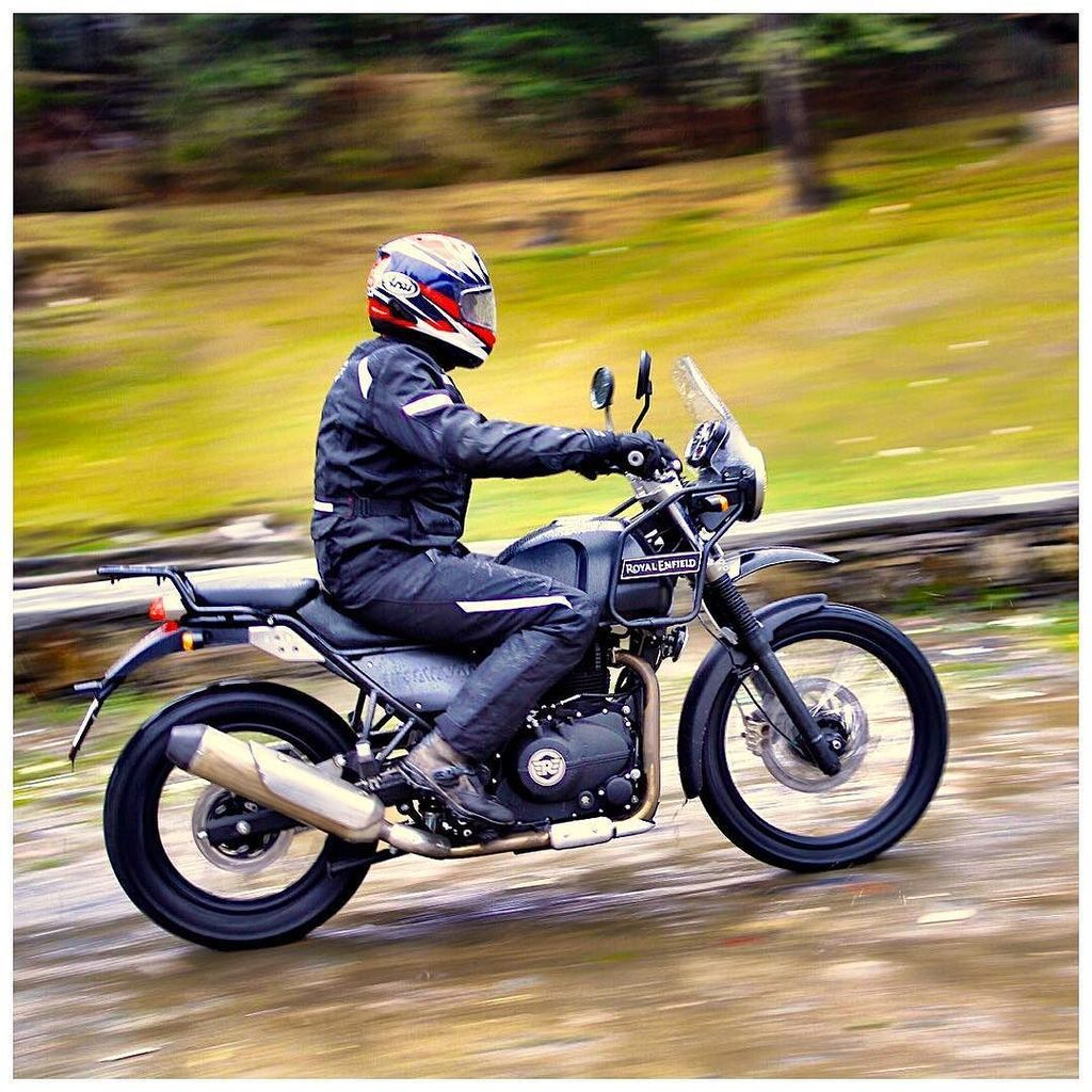 Really nice motorcycle on a really cold ride today. #Himalayan by @royalenfield. Story on @ODmag shortly. @rishaadm… https://t.co/rGD9sTTBbq